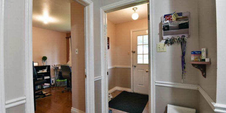04-2507-13 Foyer