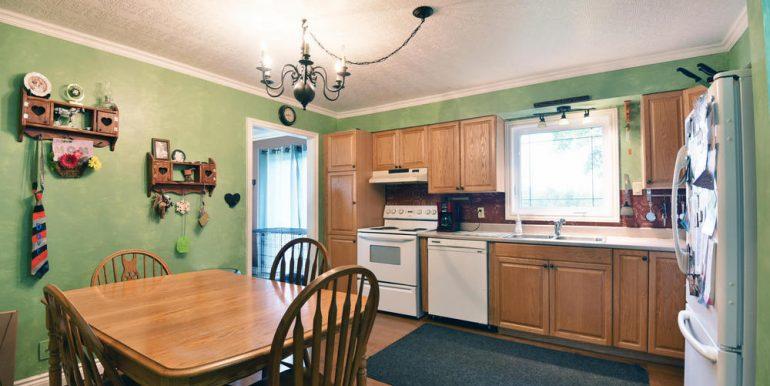 06-2507-3 Kitchen 1