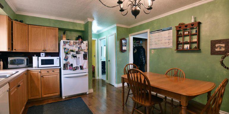 08-2507-6 Kitchen 3