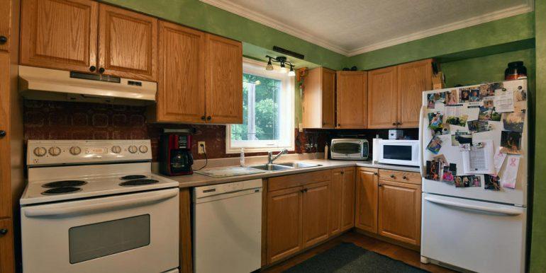 09-2507-5 Kitchen 2