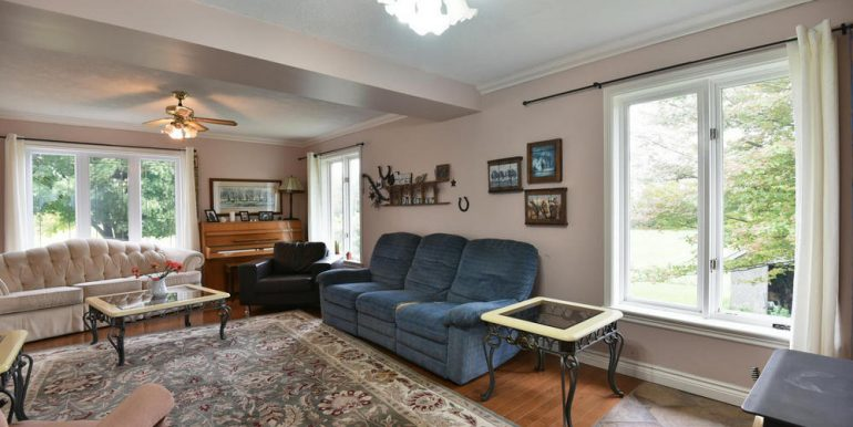 11-2507-8 Living Room 2
