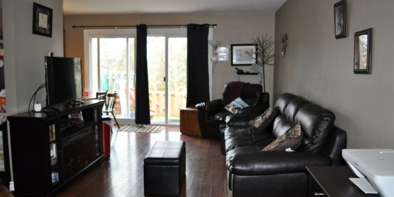 03-1199-3 Living Room 1