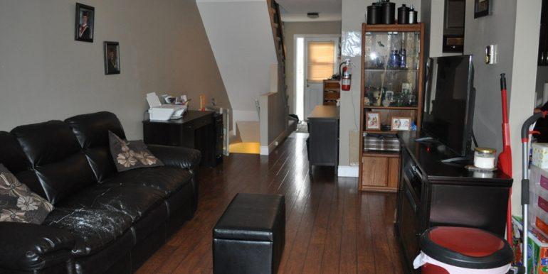 04-1199-6 Living Room 2