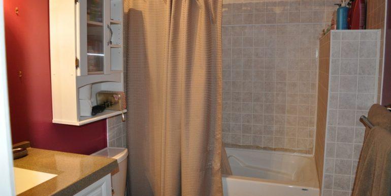09-1199-12 Bathroom