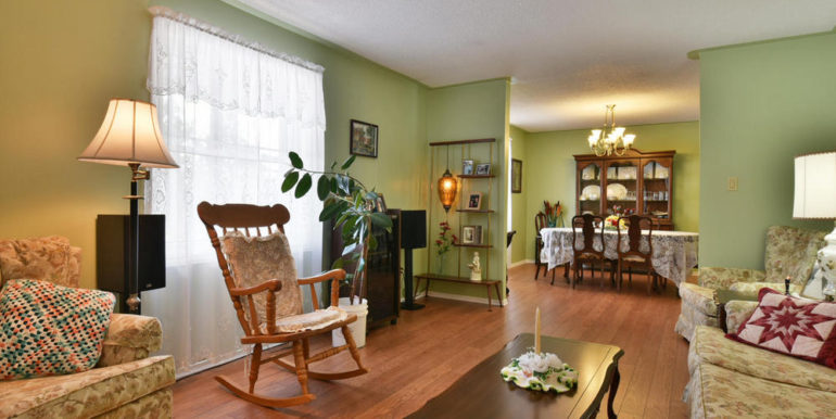 10-8678-9 Living Room 1