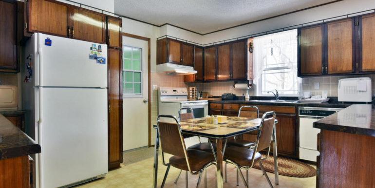 13-8678-2 Kitchen 1