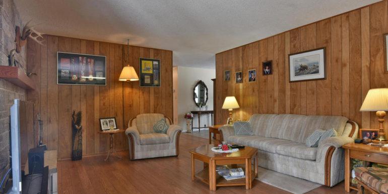 18-8678-11 Family Room 2