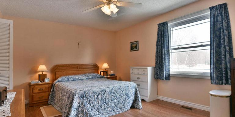 19-8678-14 Master Bedroom