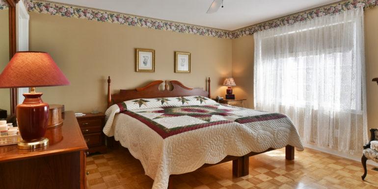 01-125-10 Master Bedroom