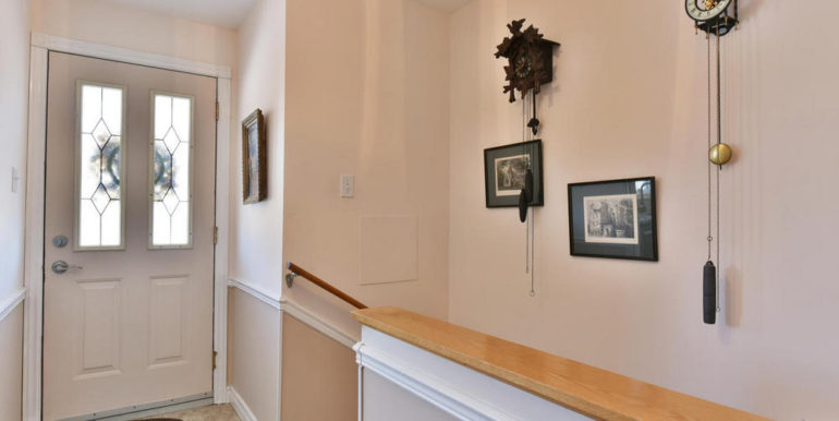 05-125-9 Foyer
