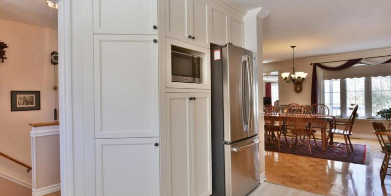 09-125-7 Kitchen-Dining Room