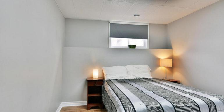 21-30-19 Bedroom 5-1
