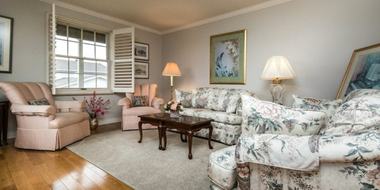 04-1104-12 Living Room 2