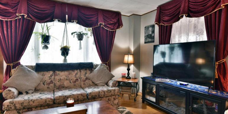 05-15-11 Living Room 1