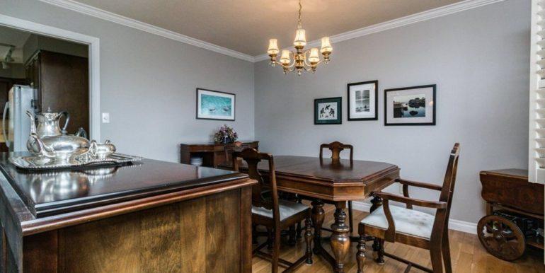 06-1104-8 Dining Room 1