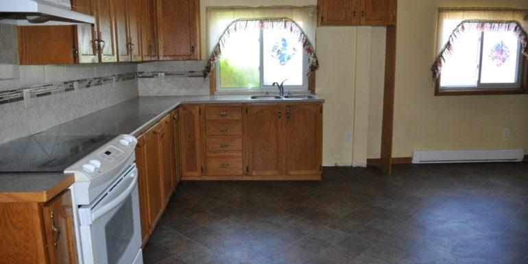 08-4351-5 Kitchen 2