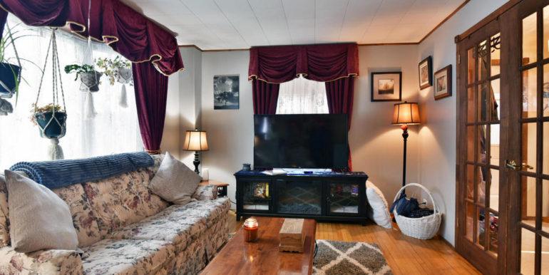 09-15-13 Living Room 3