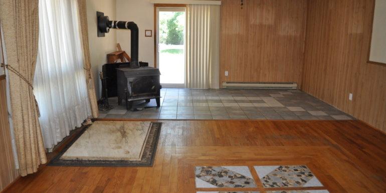 09-4351-3 Dining-Living Room