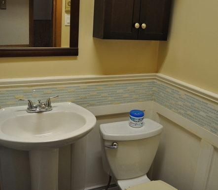 1-4351-8 2pc Bathroom