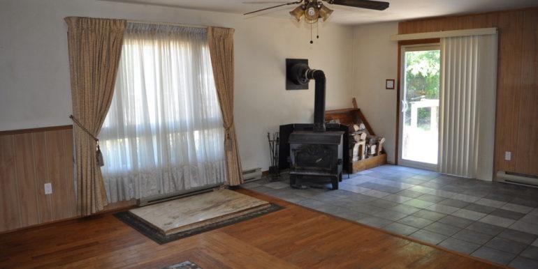 10-4351-7 Dining-Living Room 3