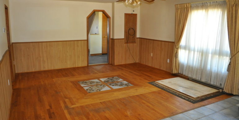11-4351-4 Dining-living Room 2