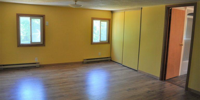 13-4351-10 Master Bedroom