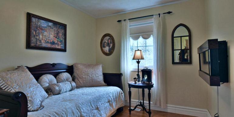 18-6-15 Bedroom 3