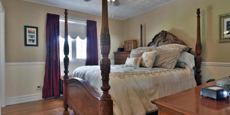 19-6-11 Master Bedroom 1