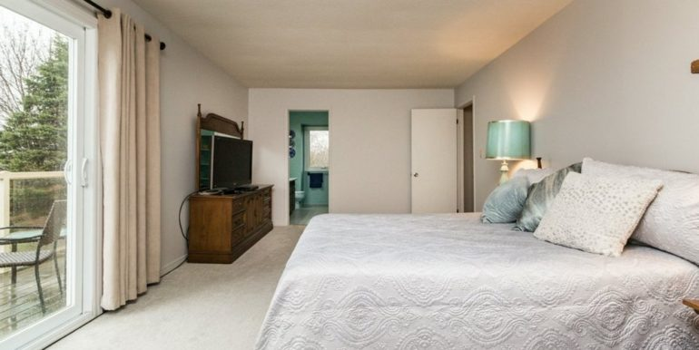 21-1104-19 Master Bedroom 2
