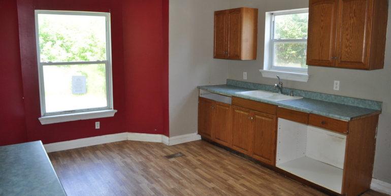 06-167-3 Kitchen 1