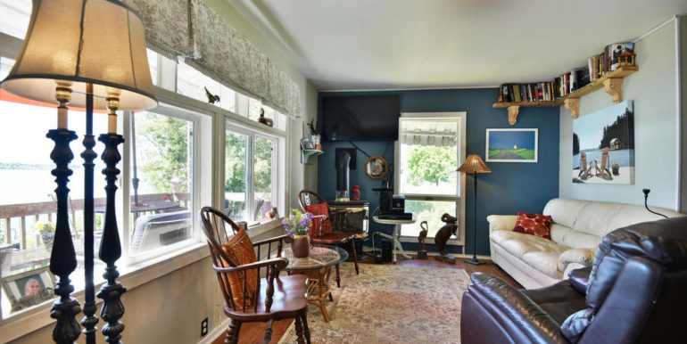 15-3305-8 Living Room 2