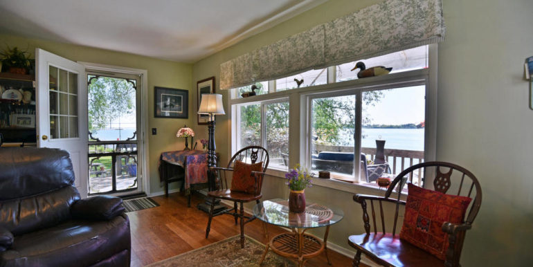 16-3305-4 Living Room 1
