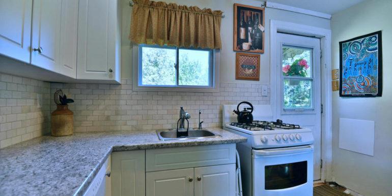 19-3305-6 Kitchen 3
