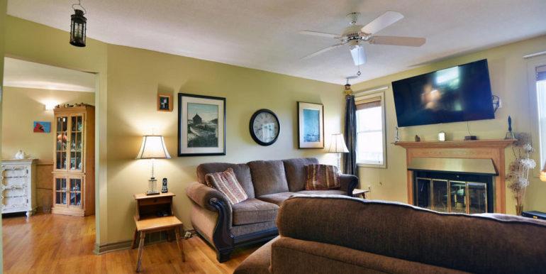 20-13-4 Living Room 1