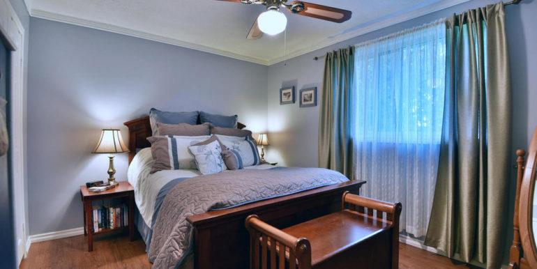 23-2928-13 Master Bedroom 1