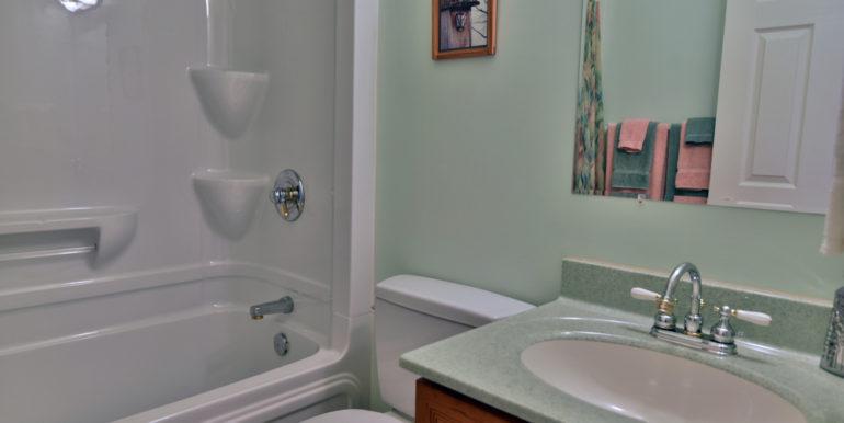 09-11351-21 Main Bathroom