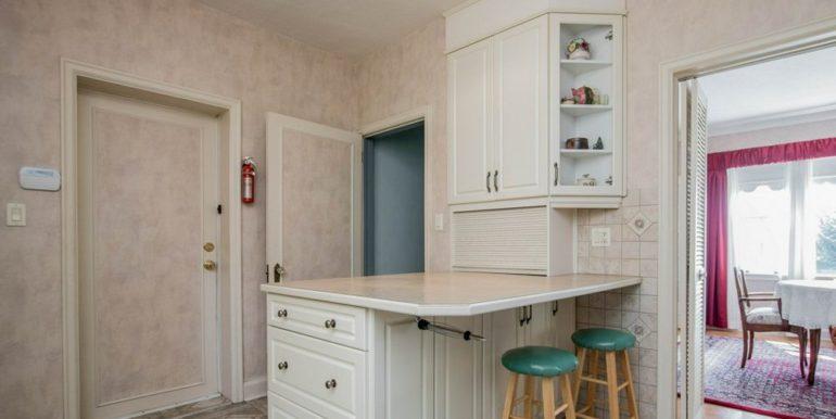 11-331-7 Kitchen 3