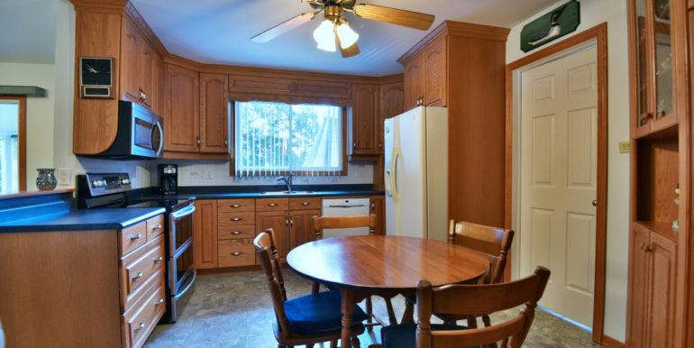 14-8-2 Kitchen 1