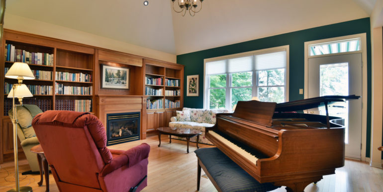 15-11351-13 Living Room 2