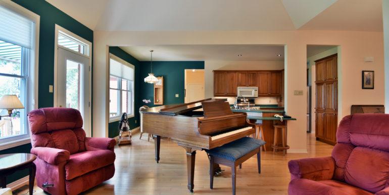 17-11351-4 Living Room 1