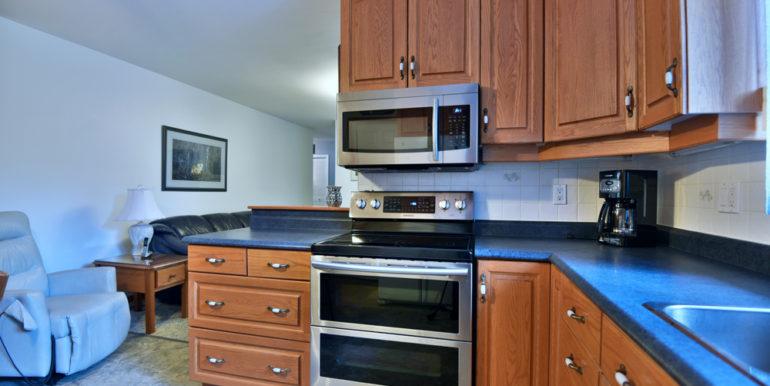 17-8-7 Kitchen 4