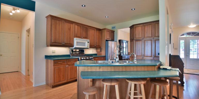 19-11351-3 Kitchen 1