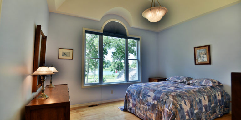 22-11351-16 Master Bedroom 1