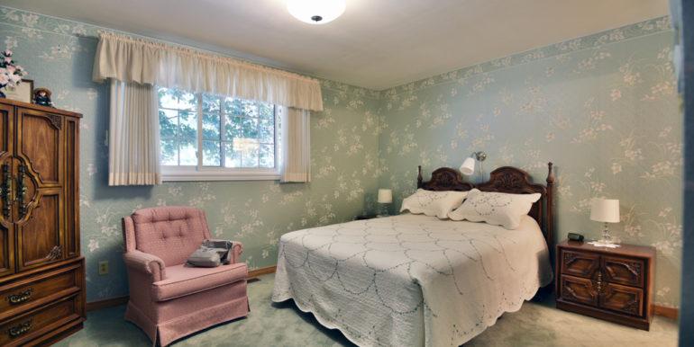 27-8-16 Master Bedroom 1