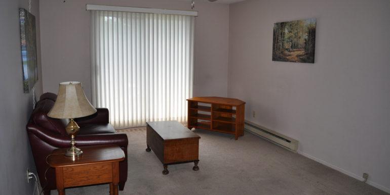 04-6-4 Living Room 1