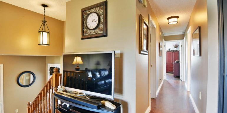 09-188-11 Hallway
