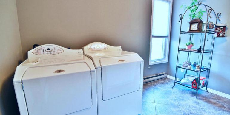 16-188-14 Bedroom 3 - Laundry