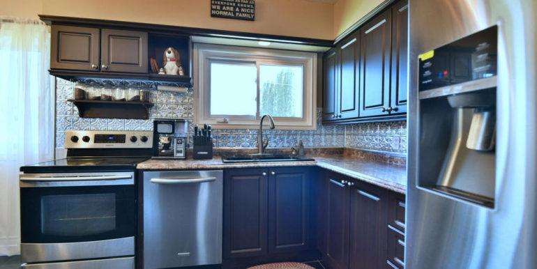 14-835-5 Kitchen 2