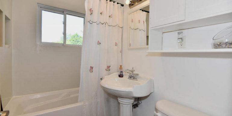 18-835-13 Main Bathroom