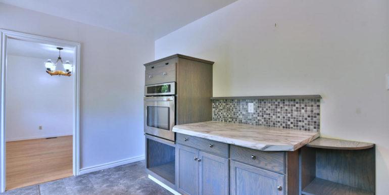 12-1218-6 Kitchen 3
